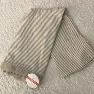 NWT Lululemon vinyasa scarf. Tan and white.
